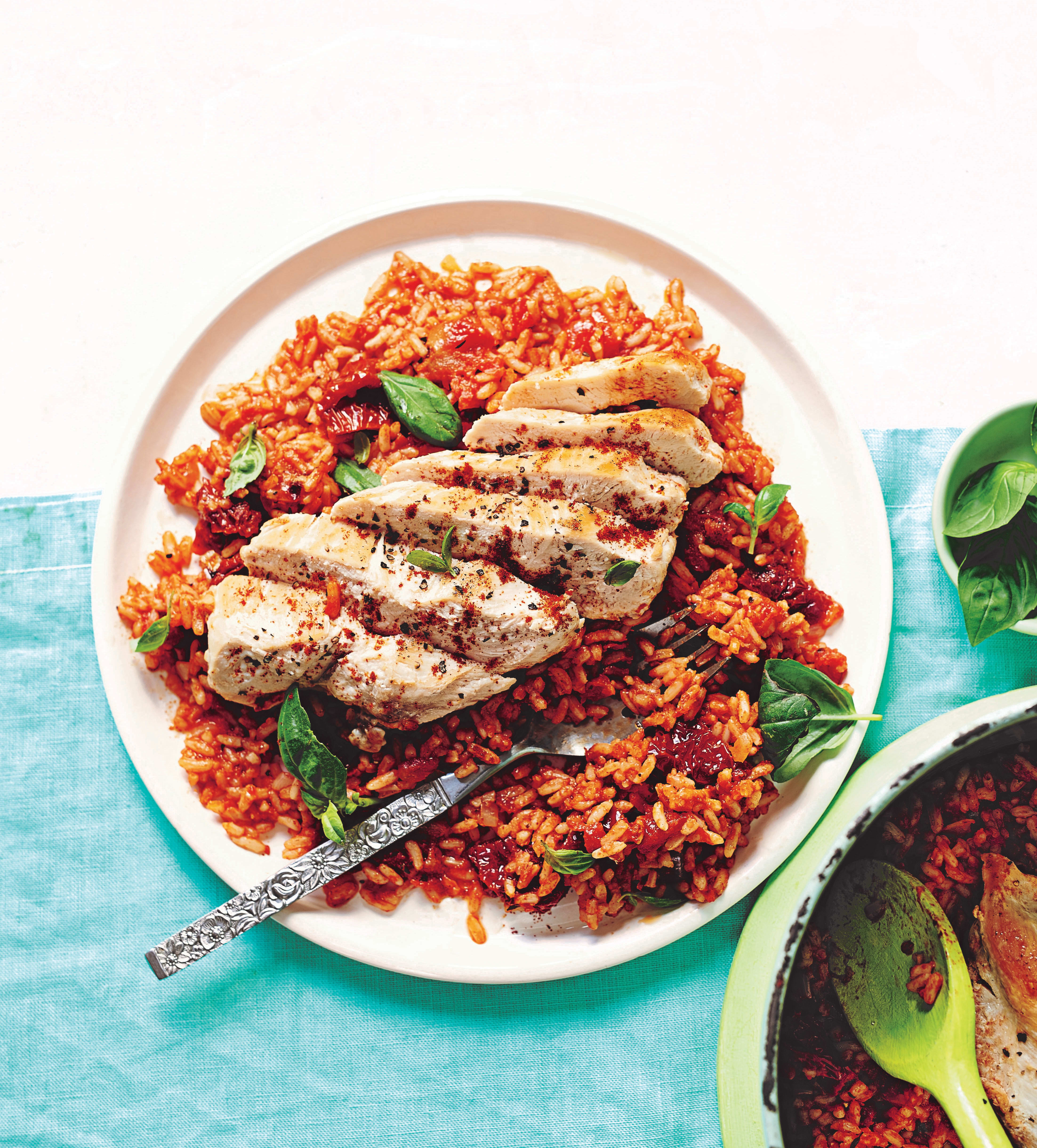 Photo of One-pot chicken with tomato rice by WW