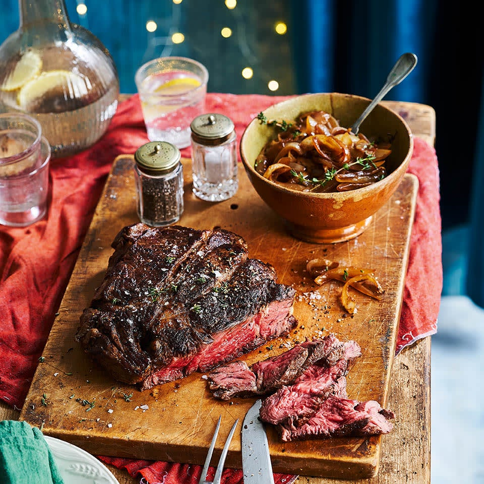 Photo of Slow cooked chuck steak with caramelised onions by WW