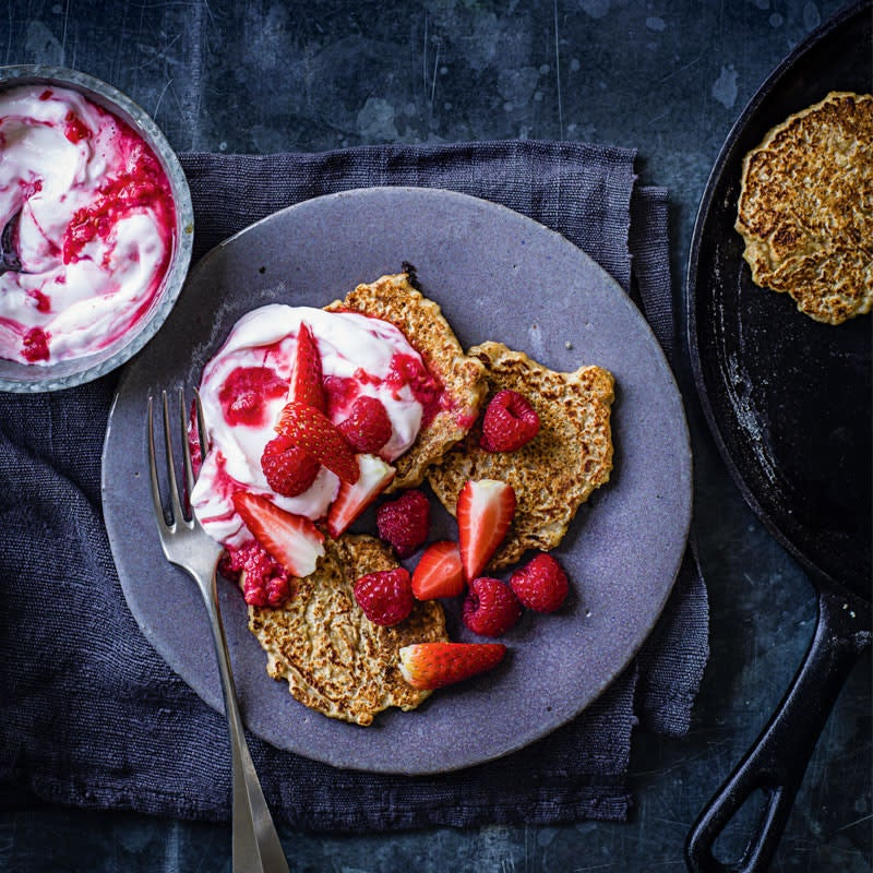 Photo of Overnight oat pancakes with red berries by WW