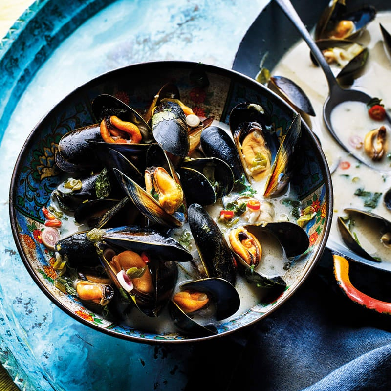 Photo of Thai spiced mussels with coconut & chilli broth by WW