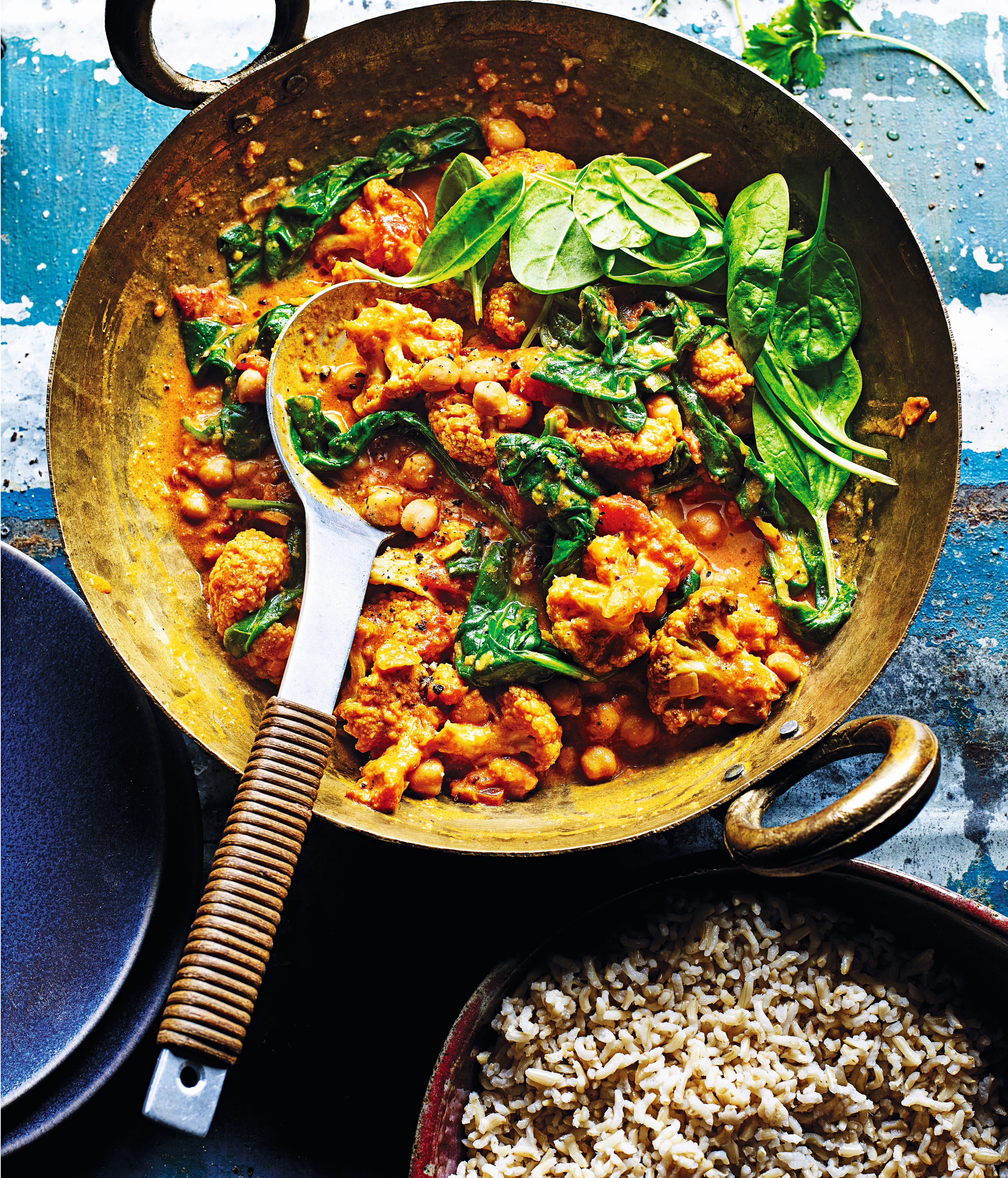 Photo of Cauliflower, chickpea & spinach curry by WW