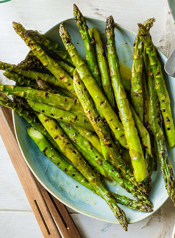 Photo of Griddled asparagus with lemon vinaigrette by WW