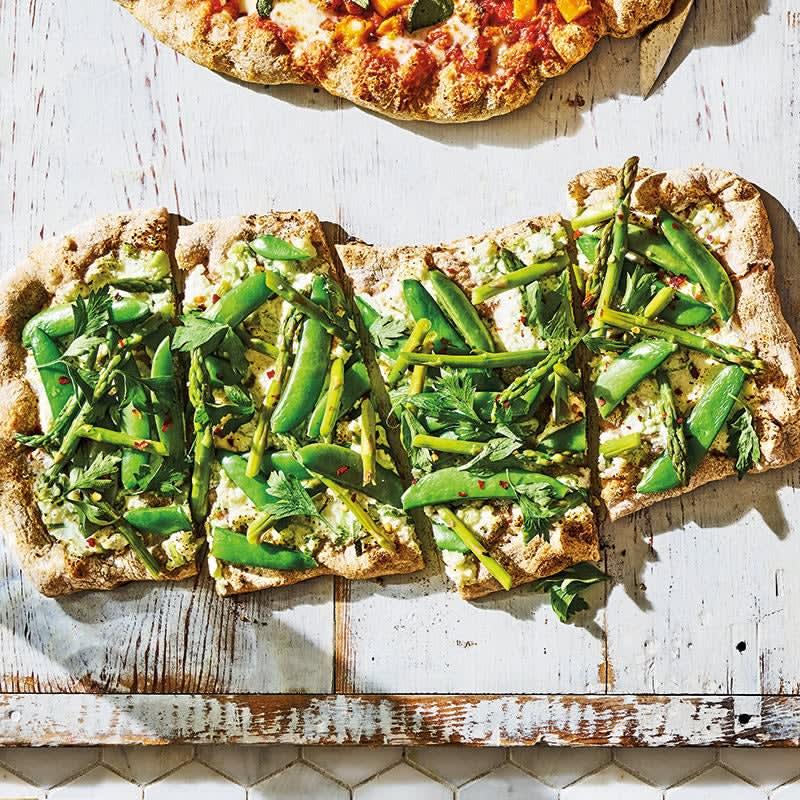 Photo of Asparagus, sugar snap & ricotta pizza by WW