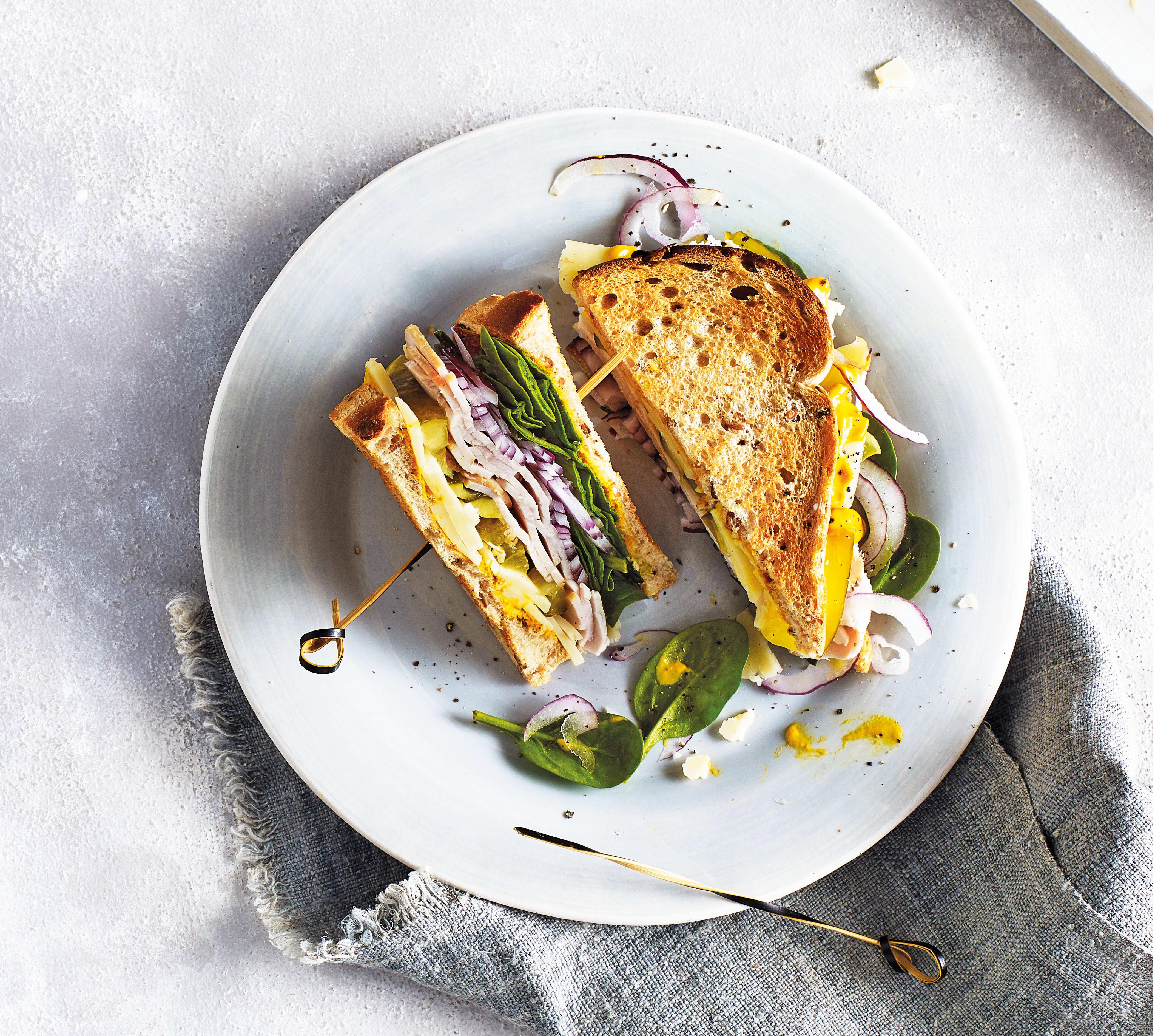 Photo of Turkey & spinach club sandwich by WW