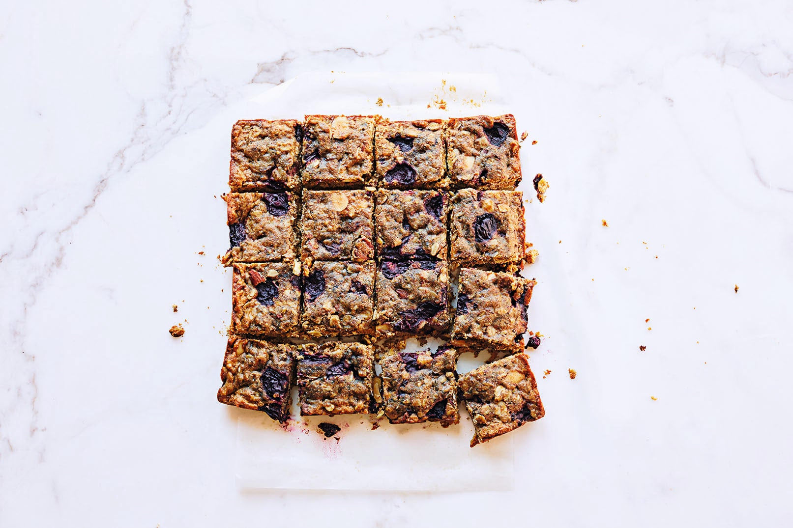 Photo of Almond & cherry oat bars by WW