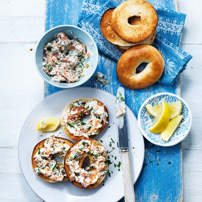 Photo of Mini bagels with smoked salmon spread by WW