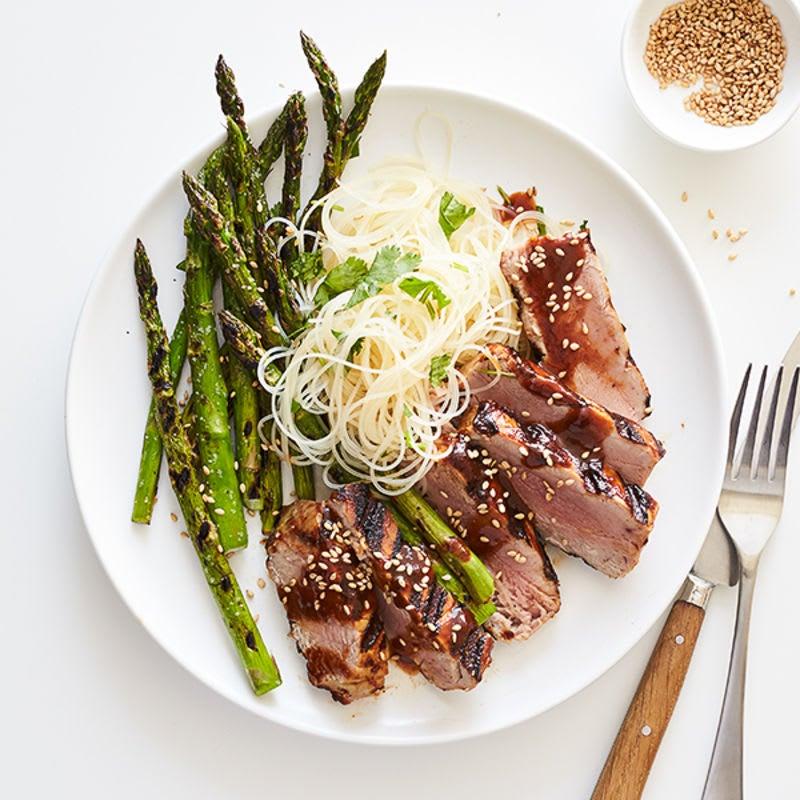 Photo of Hoisin-glazed tuna with asparagus & rice noodles by WW