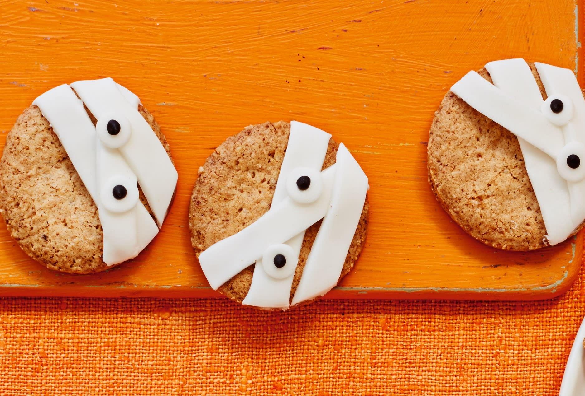 Photo of Mummy cookies by WW