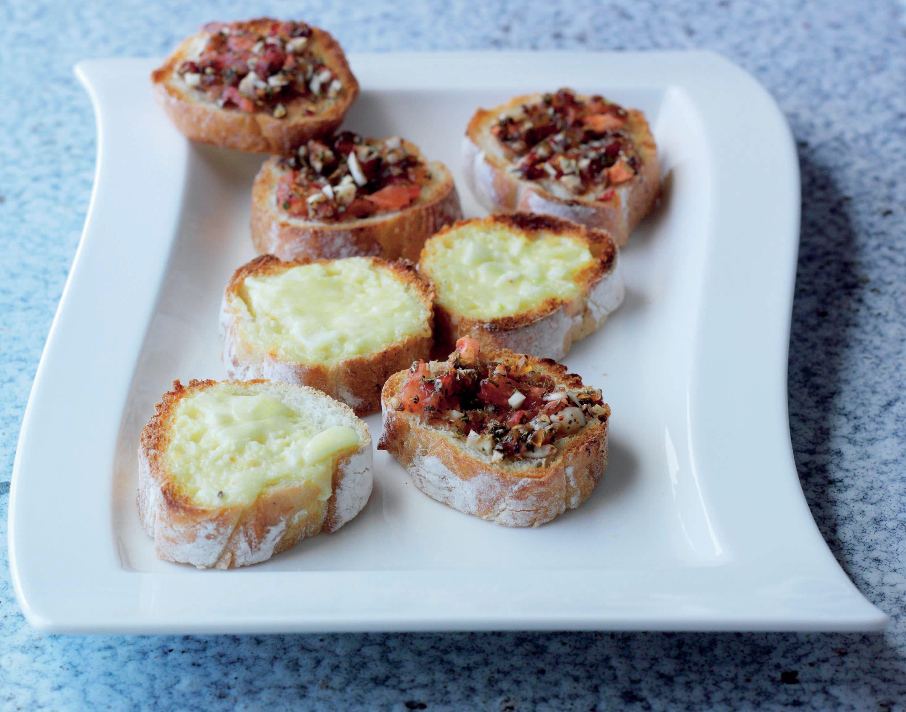 Photo of Cheesy & spicy tomato garlic bread by WW