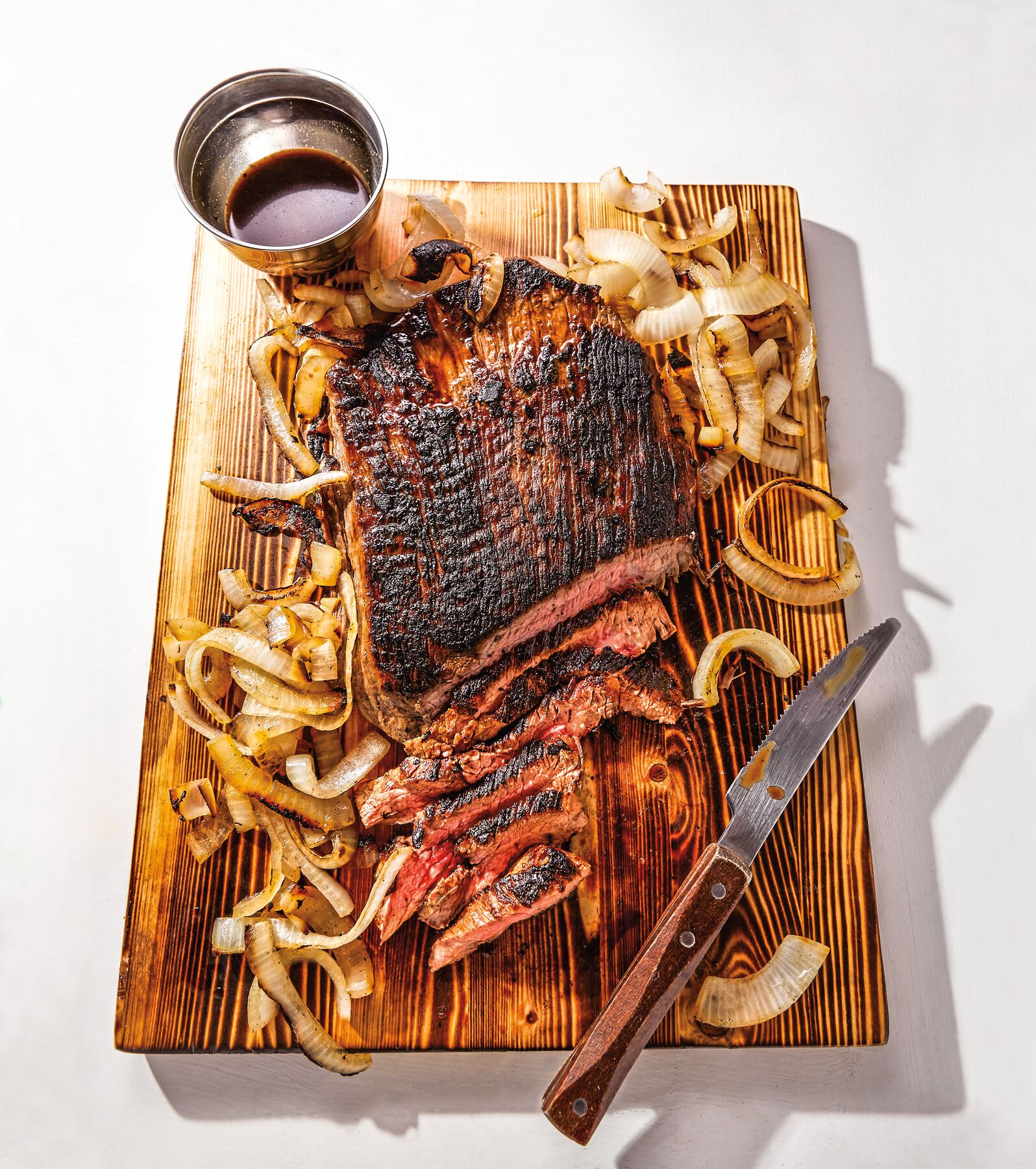 Photo of Central African-style BBQ steak with onions by WW