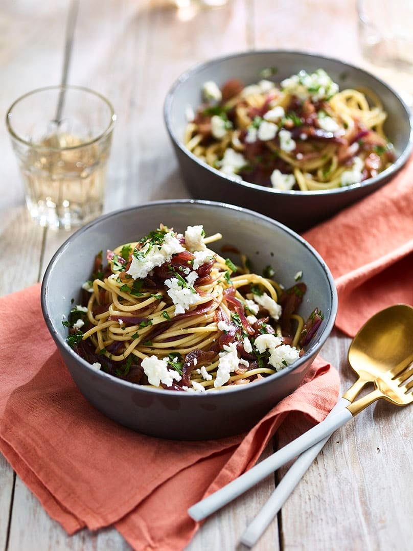 Photo of French onion spaghetti with goat's cheese by WW