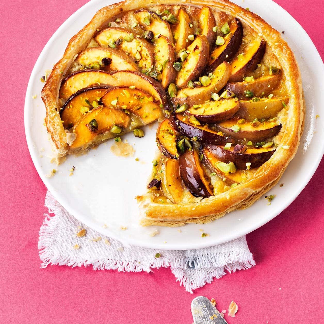 Photo of Peach & pistachio frangipane tart by WW