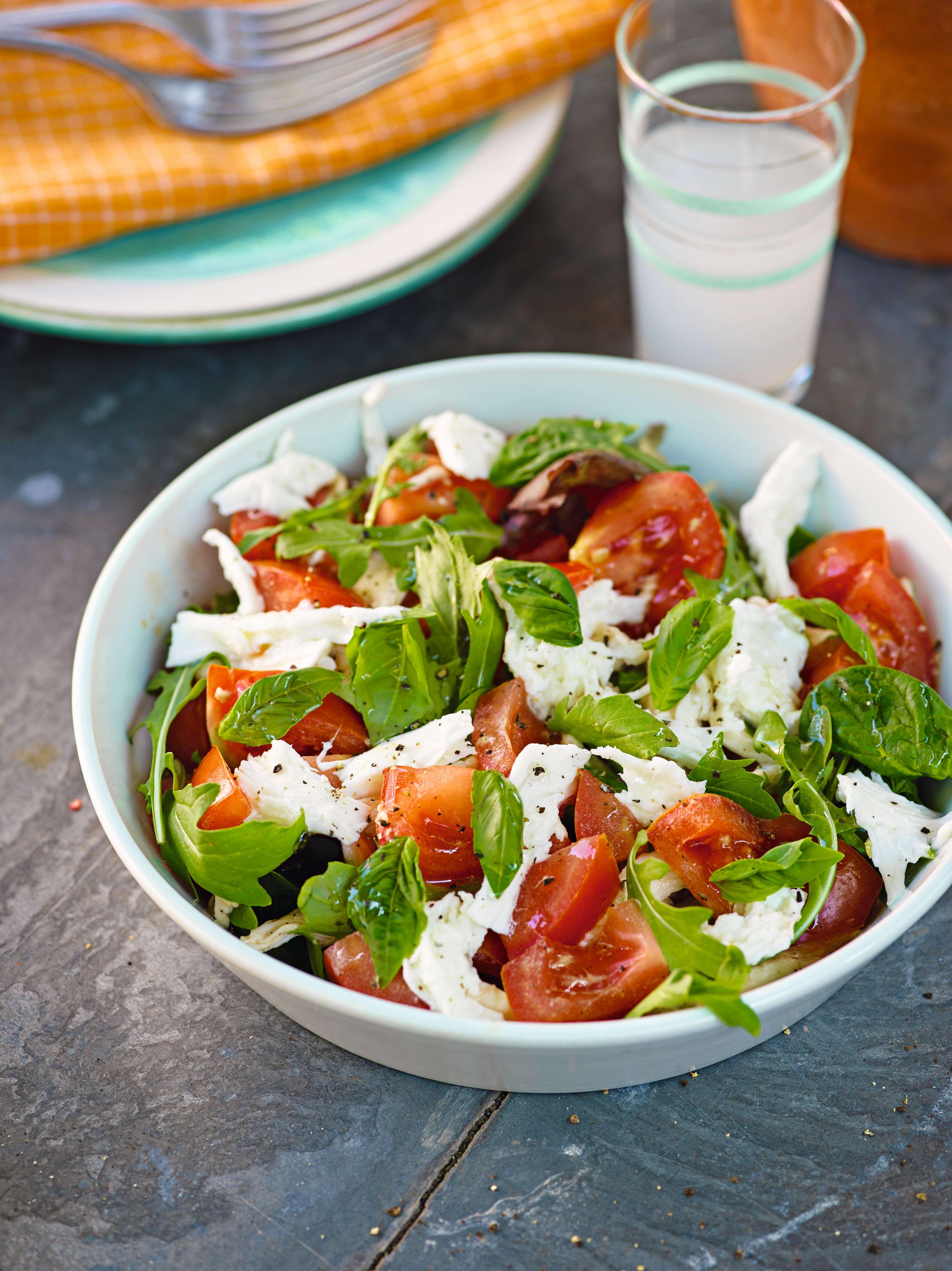 Photo of Basil, mozzarella and tomato salad by WW