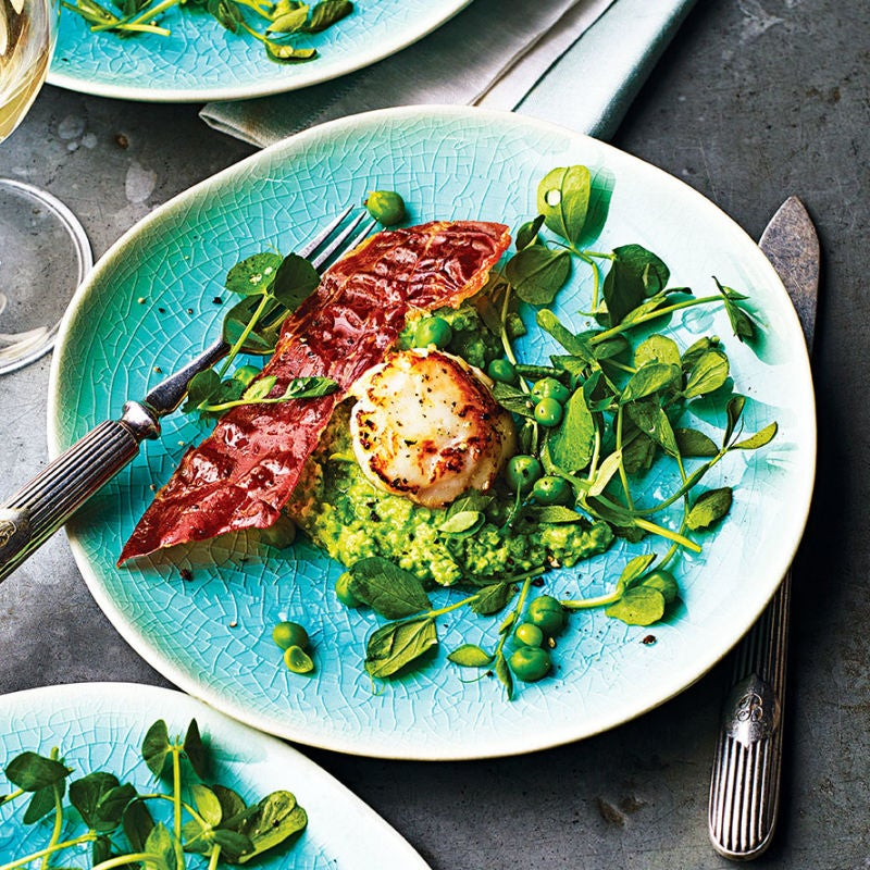 Photo of Seared scallops with pea puree & Parma ham crisps by WW
