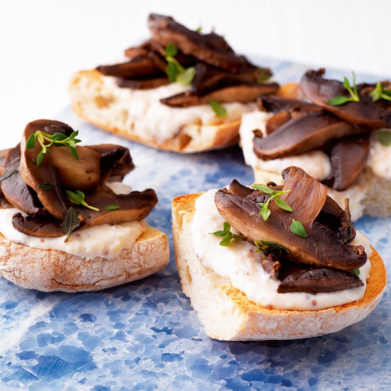 Photo of Garlic mushroom & rustic bean bruschetta by WW