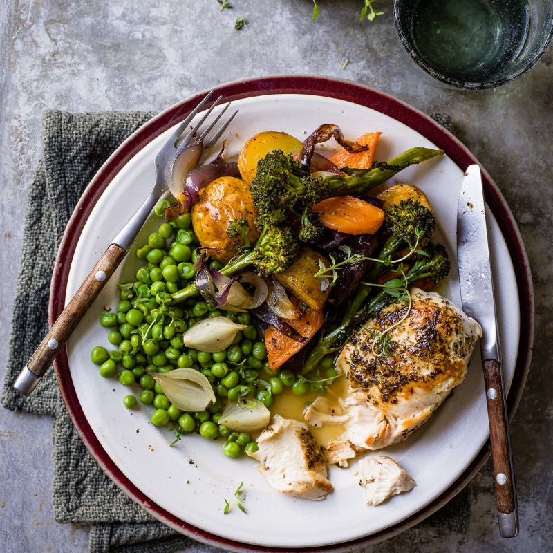 Photo of Easy roast chicken dinner by WW