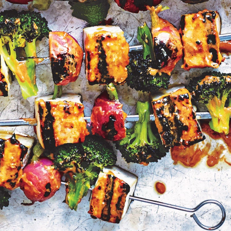 Photo of Tofu veggie kebabs with peanut-sriracha sauce by WW