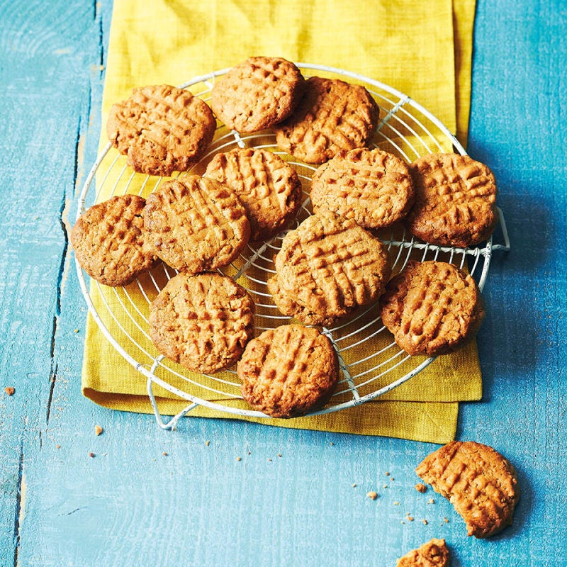 Photo of 3-ingredient peanut butter cookies by WW