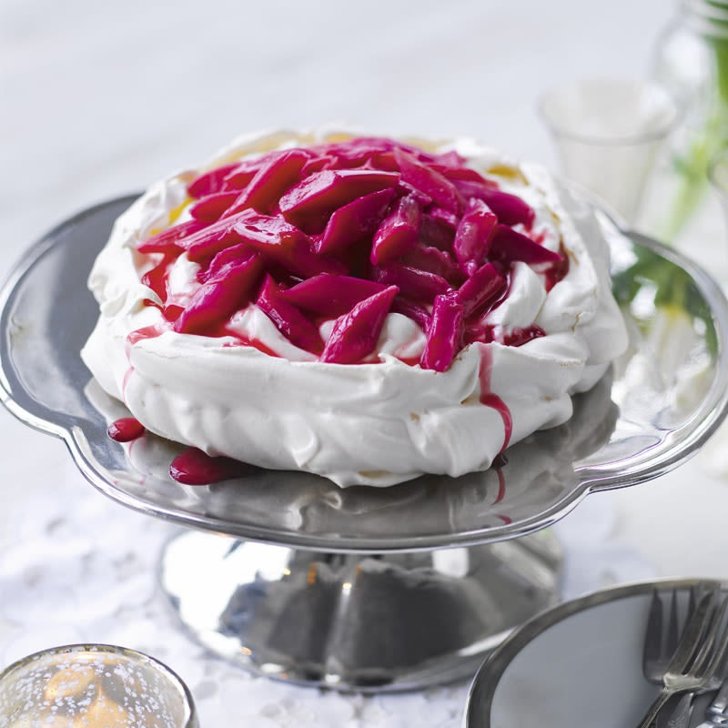 Photo of Easter pavlova with rhubarb & ginger by WW