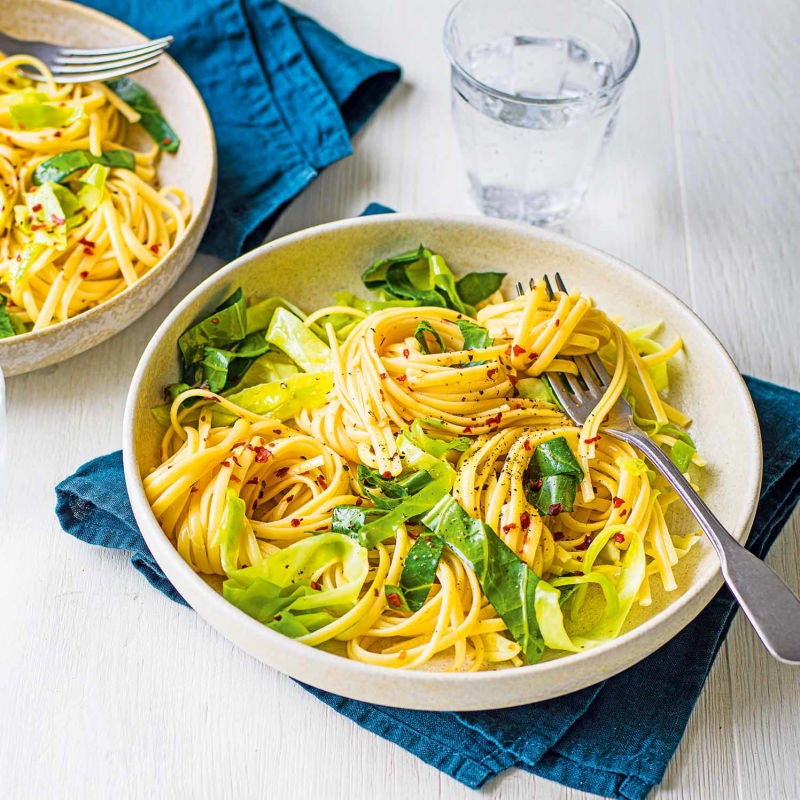 Photo of Garlicky cabbage pasta by WW