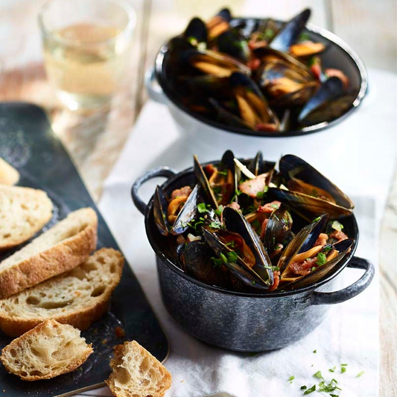 Photo of Mussels with bacon & wine by WW