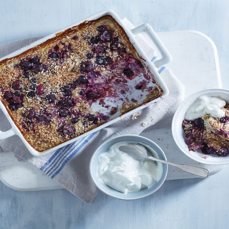 Photo of Berry-baked oats with coconut by WW