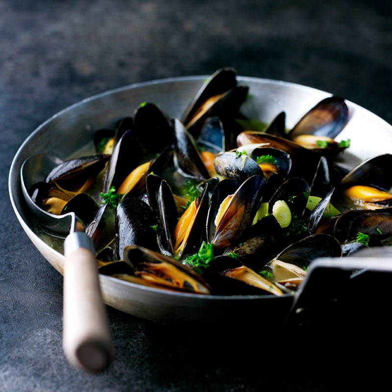 Photo of Mussels with garlic & Pernod by WW