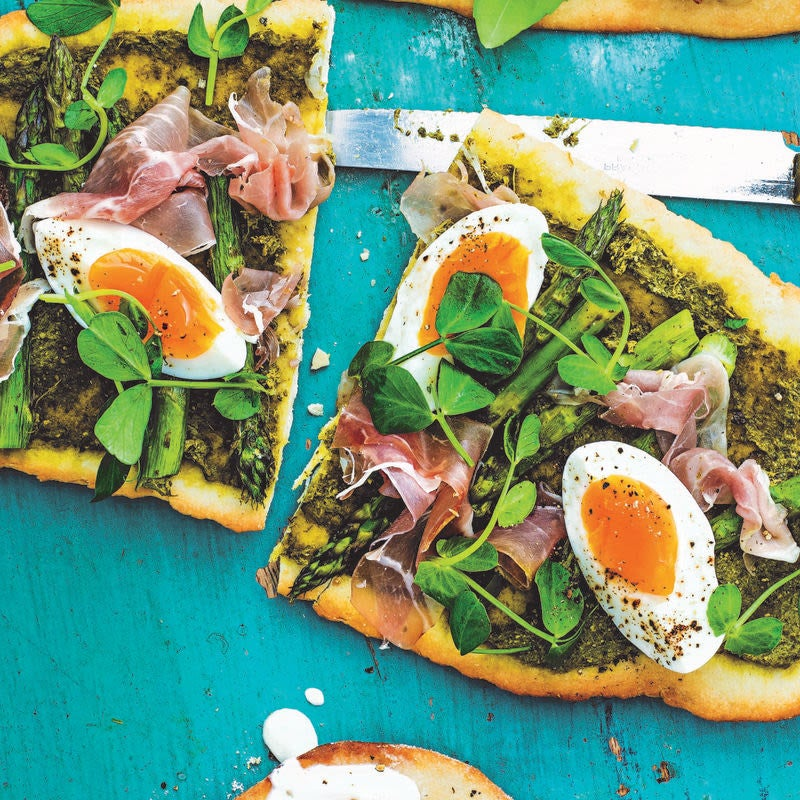 Photo of Asparagus, proscuitto & egg flatbread by WW