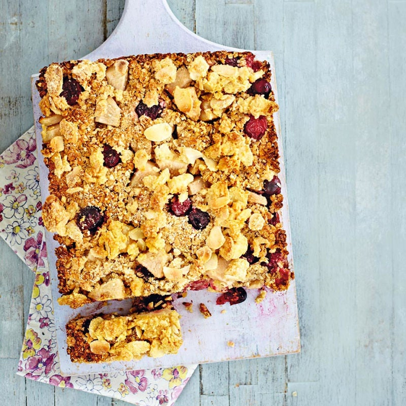 Photo of Pear & cranberry streusel bars by WW