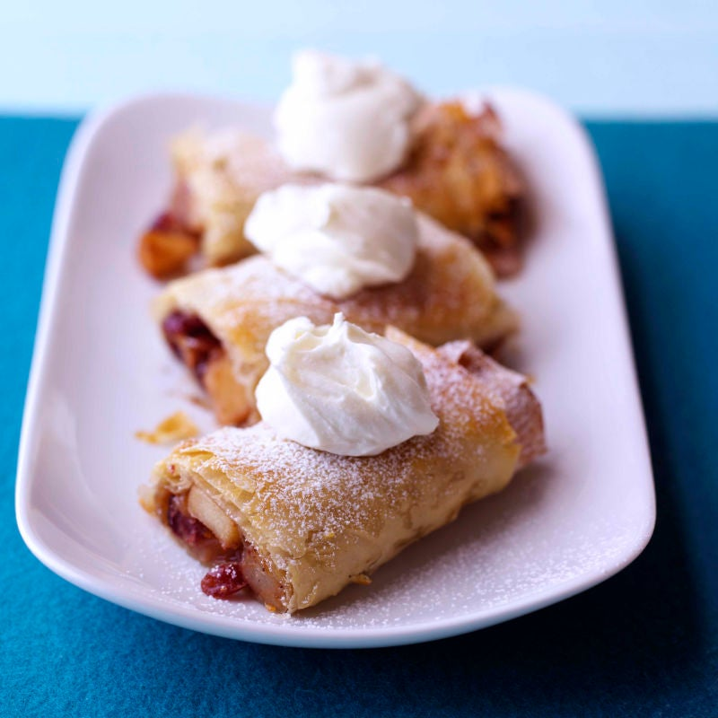 Photo of Spiced fruit strudel with vanilla cream by WW