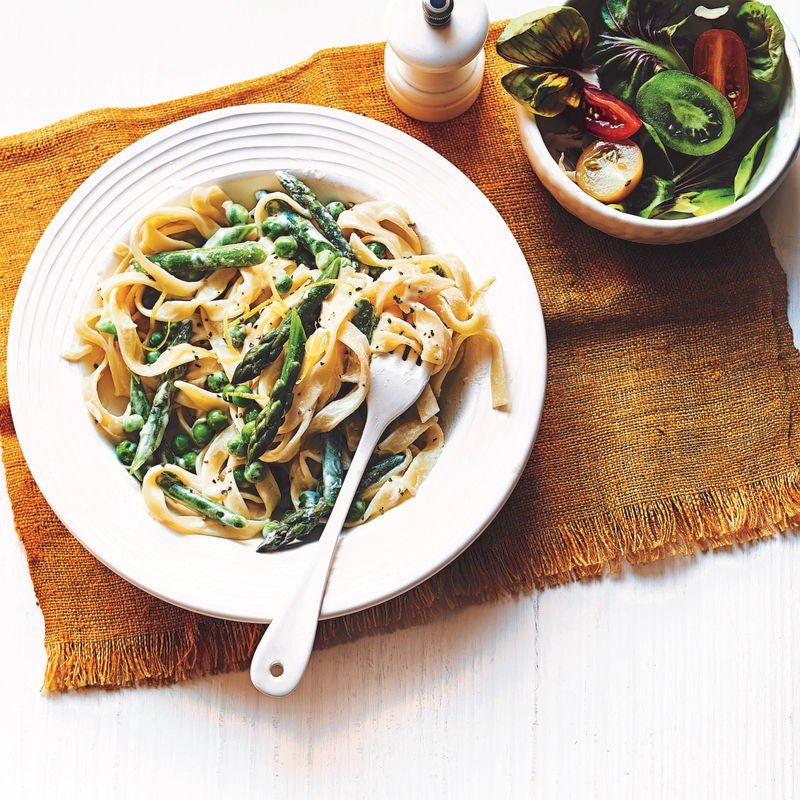 Photo of Pasta primavera with asparagus & peas by WW